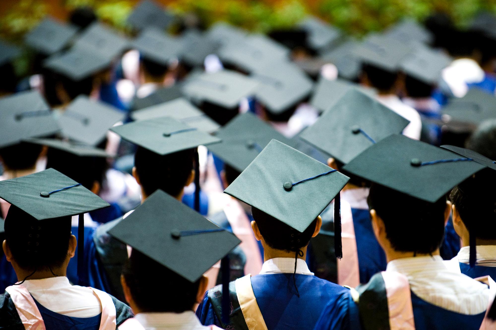 Togas y Birretes Para Universidad